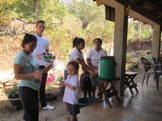 Blog El Salvador March 2014 Miguel in action at ECCD Parent Circle