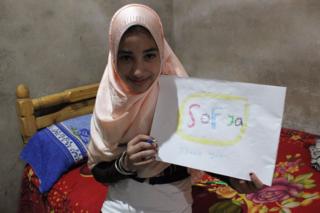 Asmaa thanks her sponsor, Sofya
